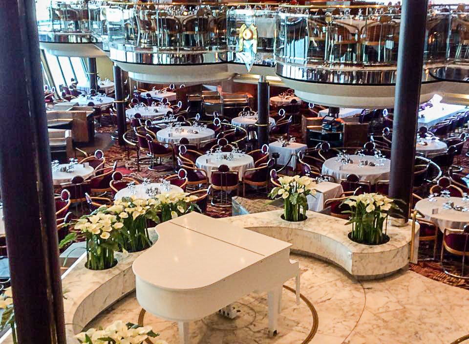 Empress of the Seas dining room