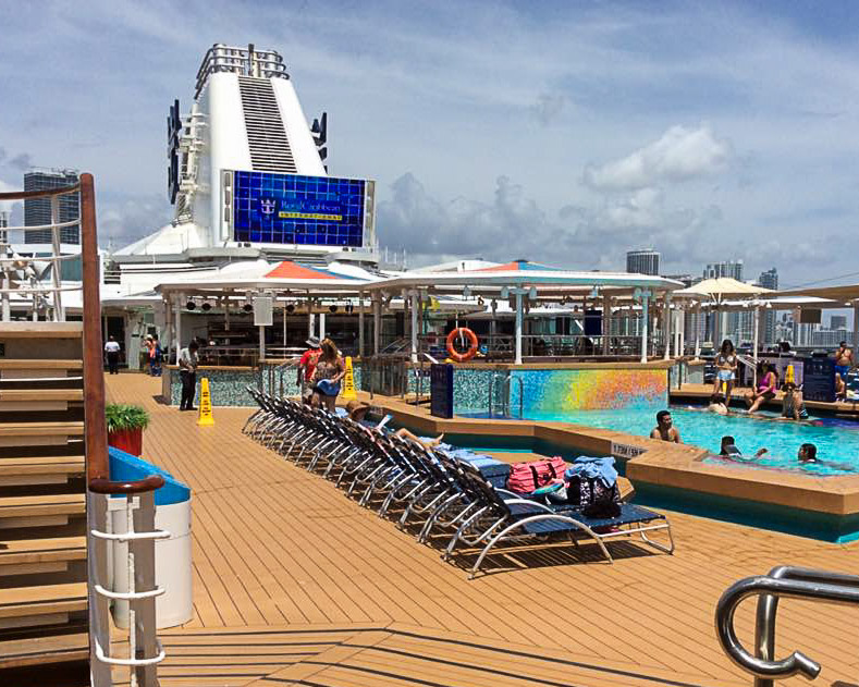 Empress of the Seas Pool deck