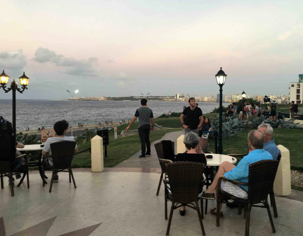 Havana-waterfront-dining