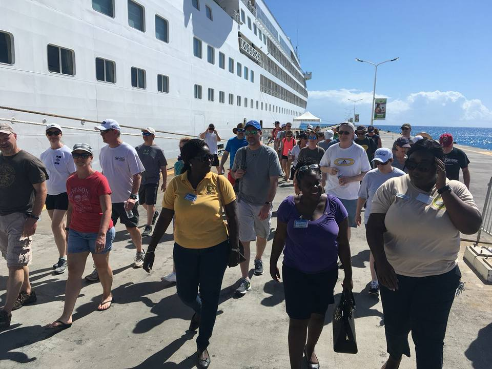 Incentive cruise volunteers meet with Rotary Club members in St. Maarten