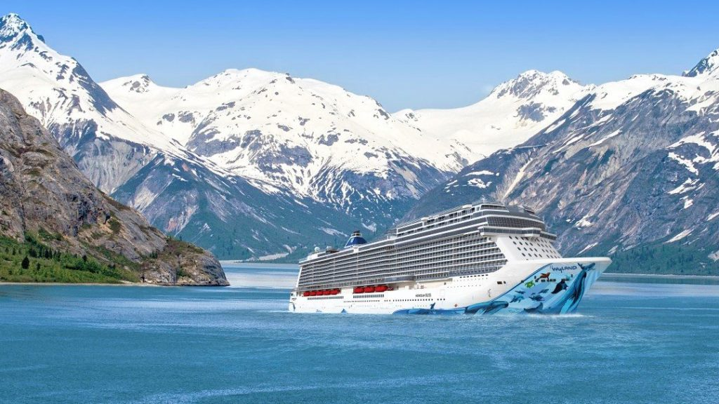 Norwegian Bliss sailing in Alaska